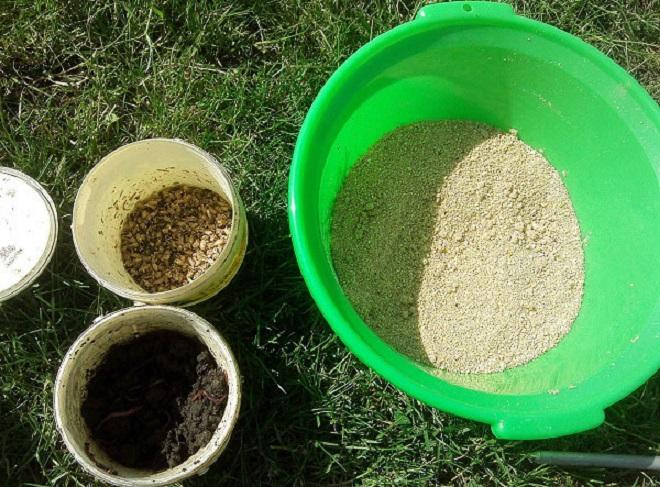 База и кормовые элементы
